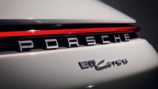 2020 Porsche 911 Carrera cabriolet white