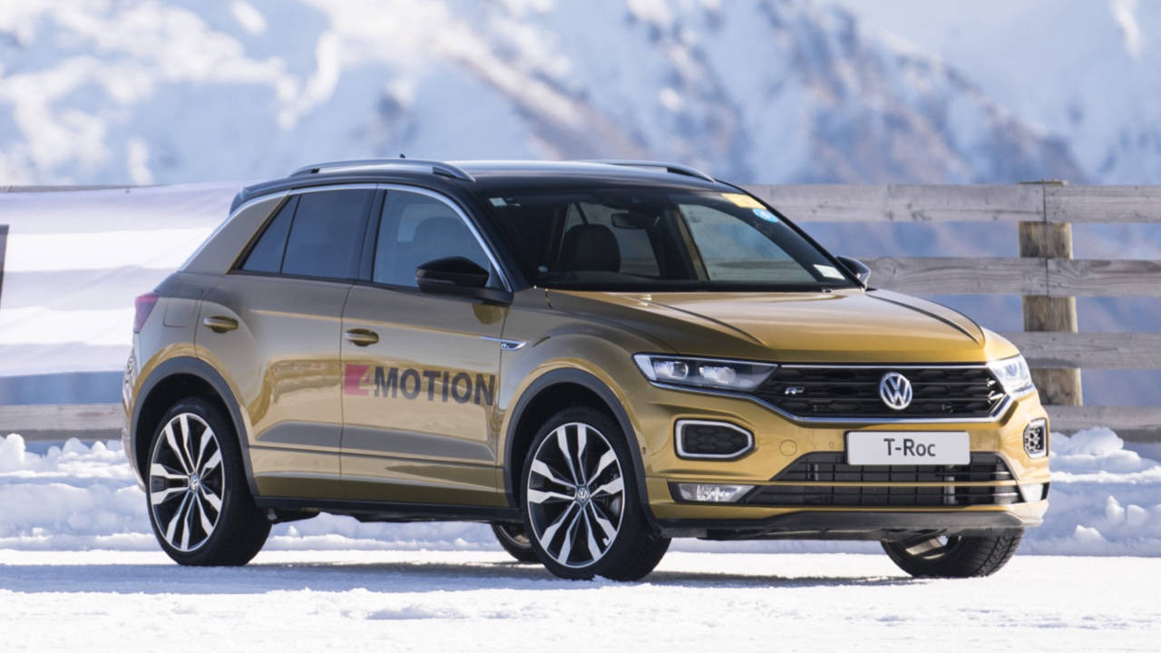 2020 Volkswagen T-Roc yellow on snow