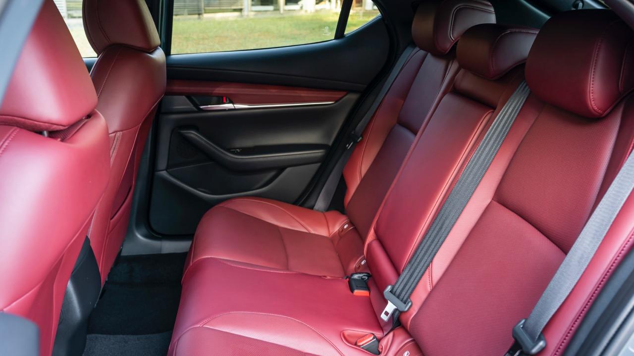 Mazda 3 Skyactiv-X 2020 review back seat