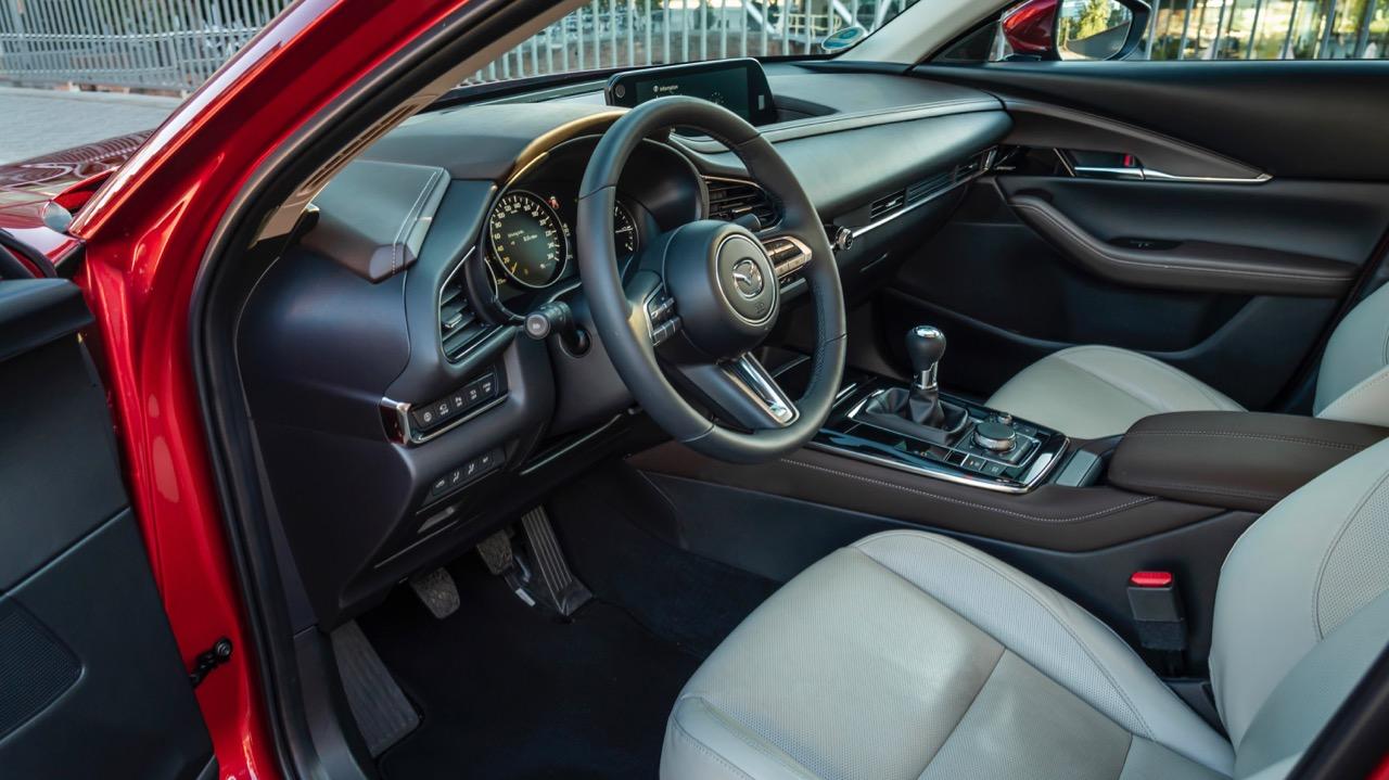 Mazda CX30 2020 white leather interior