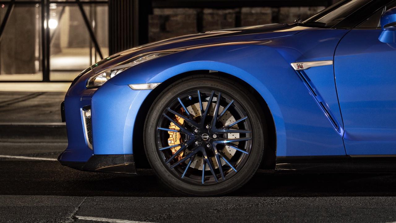 2019 Nissan GTR 50th Anniversary review blue1
