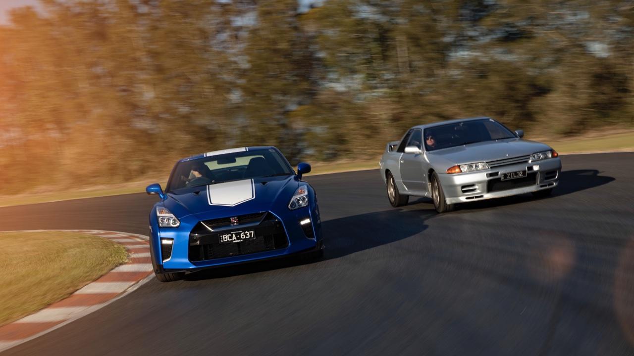 2019 Nissan GTR 50th Anniversary review blue10