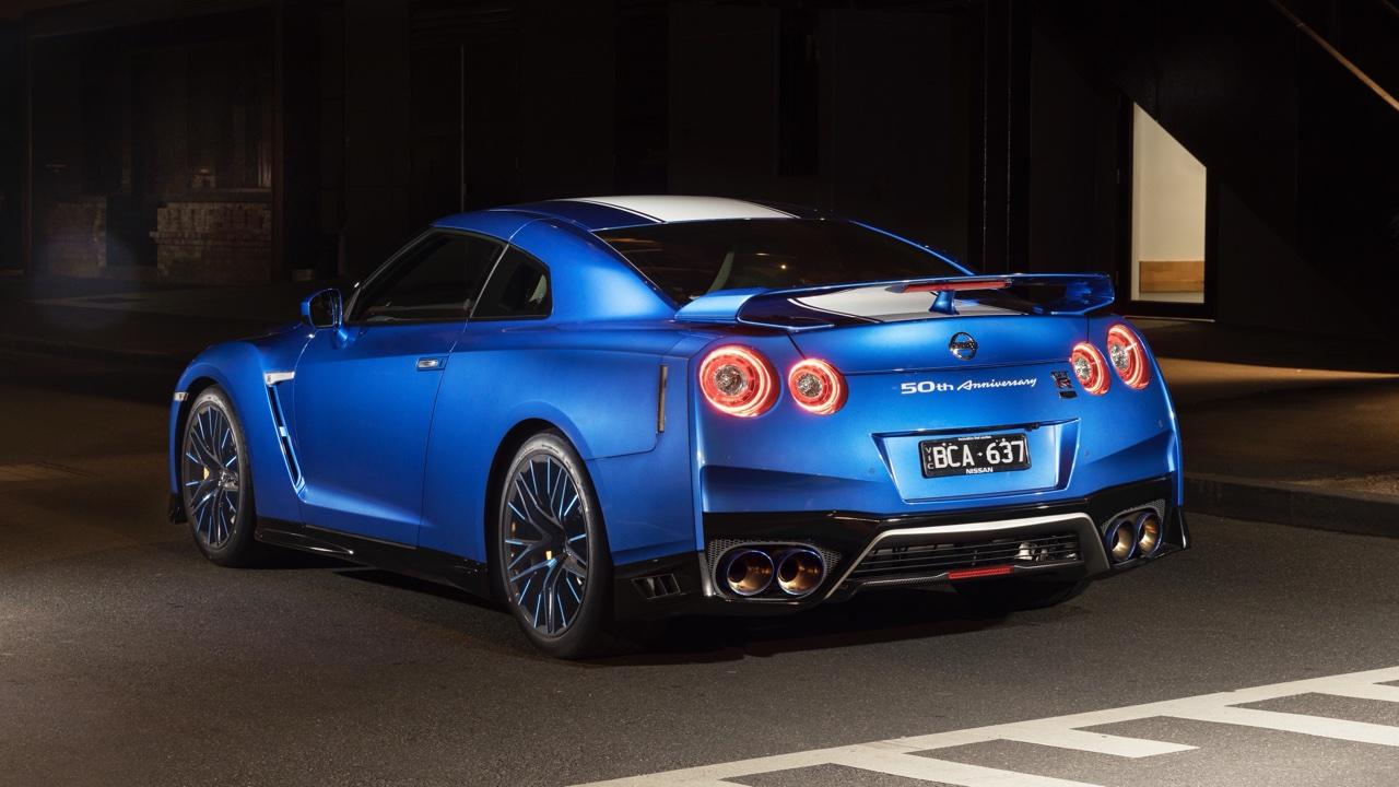 2019 Nissan GTR 50th Anniversary review blue5