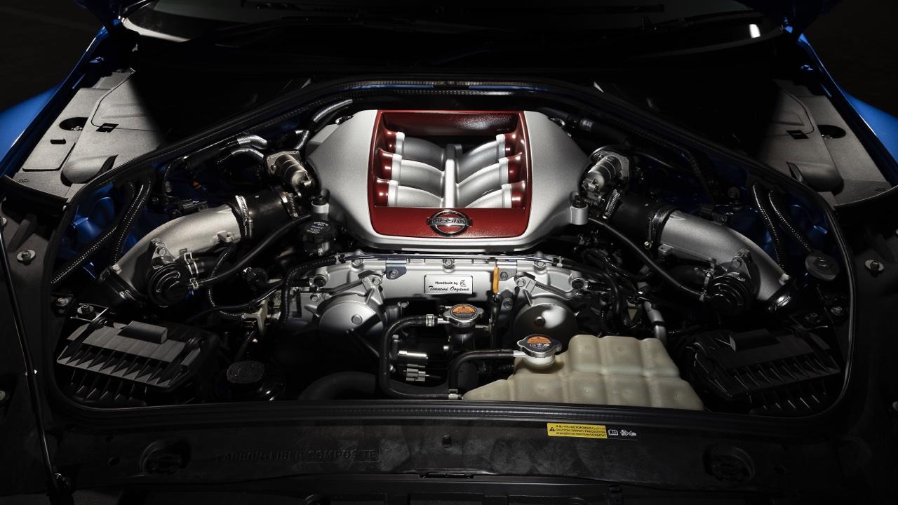 2019 Nissan GTR 50th Anniversary review blue8