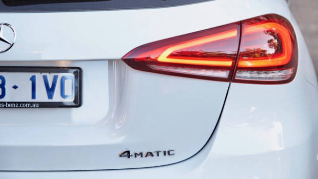 Mercedes-Benz A250 4MATIC Digital White badge