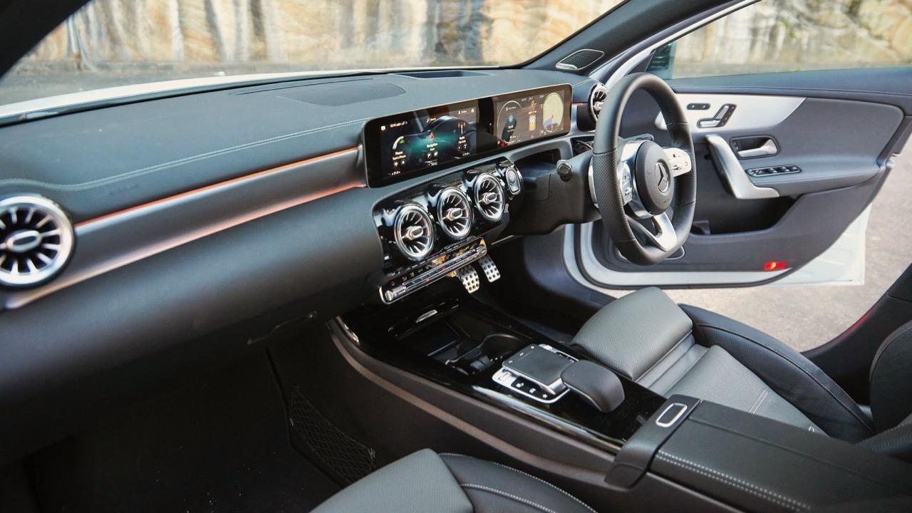 Mercedes-Benz A250 4MATIC dashboard