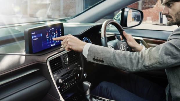 Lexus RX 2020 touchscreen
