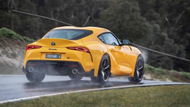 Toyota Supra 2019 yellow