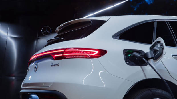 2020 Mercedes EQC 400 - 5