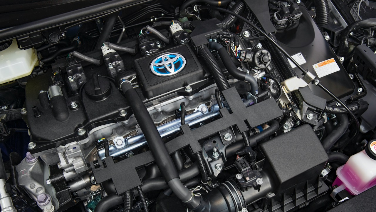 Toyota Corolla sedan review 2020 hybrid engine