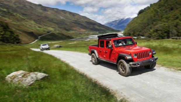 2020 Jeep Gladiator off road trail