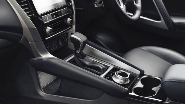 2020 Mitsubishi Pajero Sport - 4
