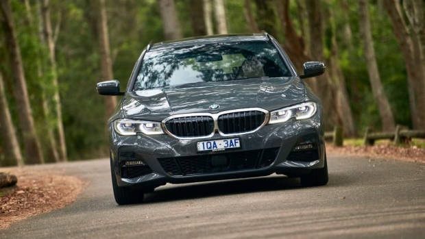 BMW 330i Touring review 2020 comfort