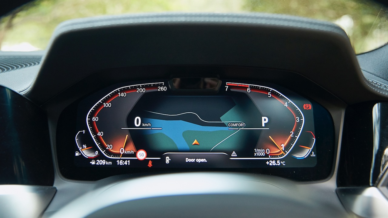 BMW 330i Touring review 2020 digital display