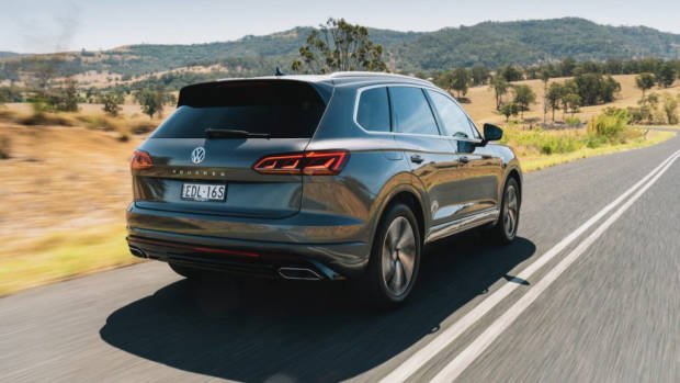 Volkswagen Touareg R-Line review 2020 driving