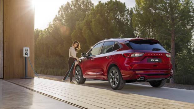 Ford Escape plug in hybrid 2020 charging