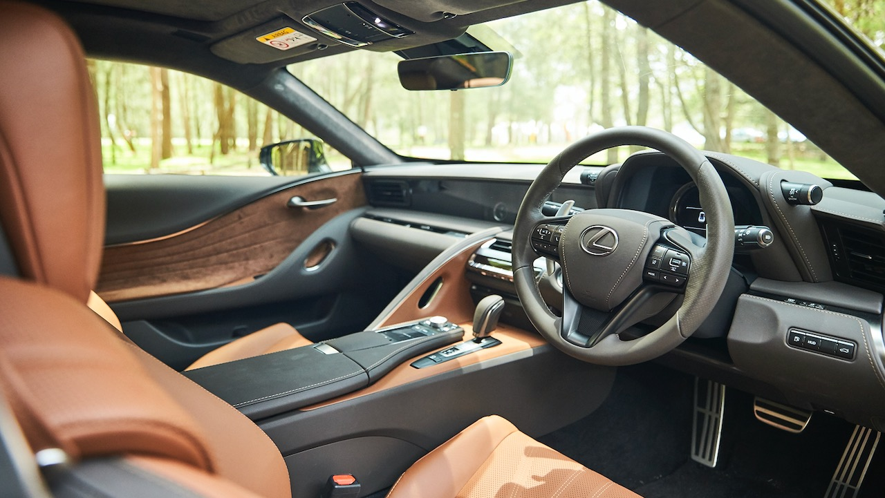 Lexus LC 500 Inspiration Series 2020 tan interior