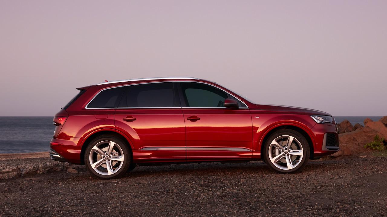 2020 Audi Q7 Matador Red side