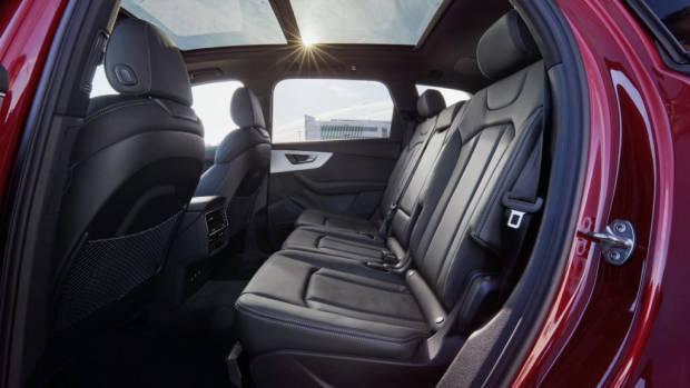 2020 Audi Q7 back seat