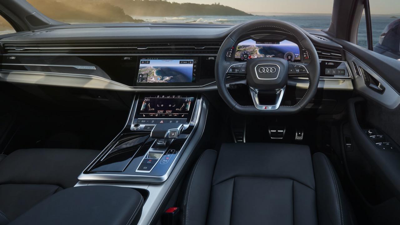 2020 Audi Q7 black leather interior