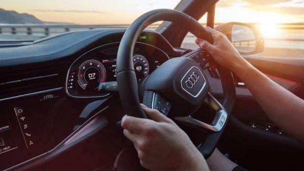 2020 Audi Q7 steering wheel