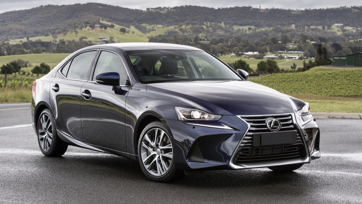 2020 Lexus IS 300 Luxury review