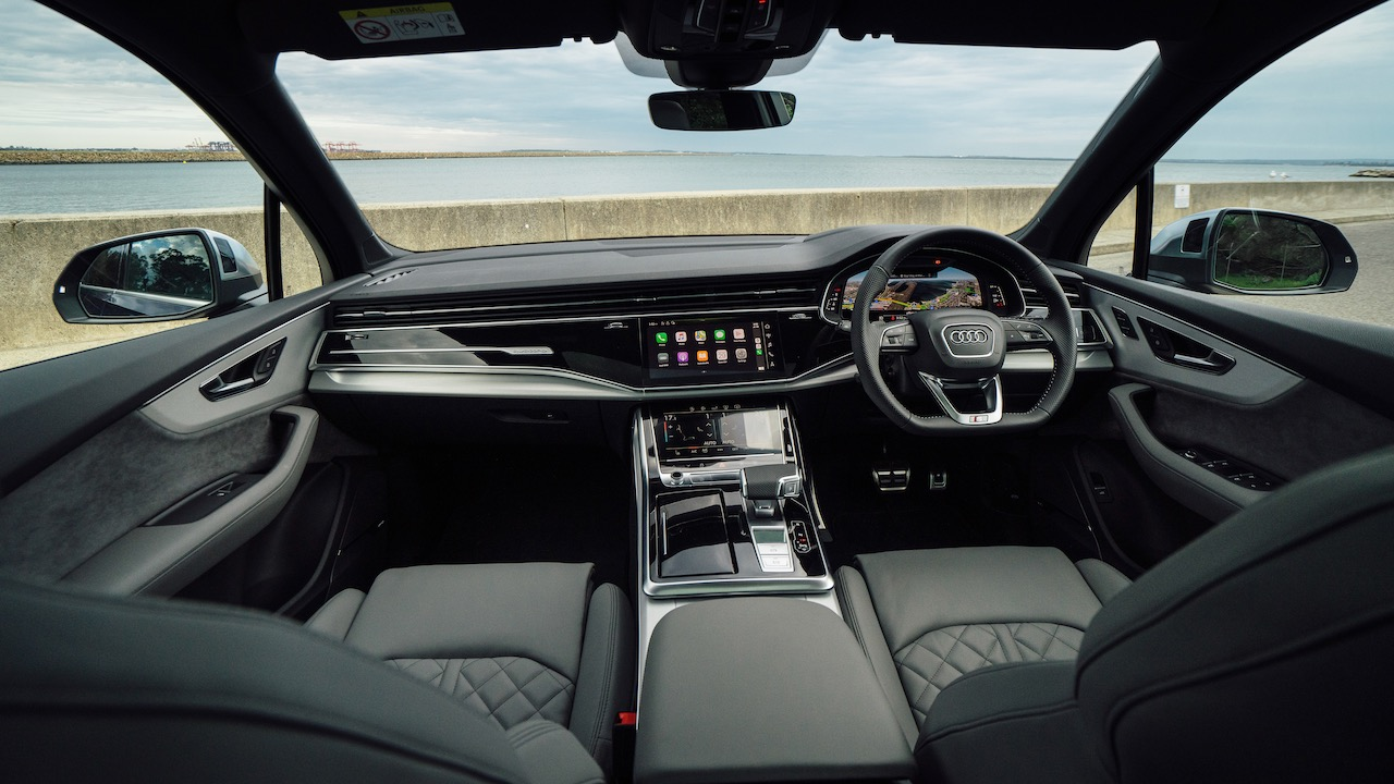 2020 Audi SQ7 SUV interior