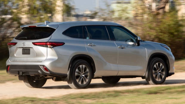Toyota Kluger 2021 silver ride